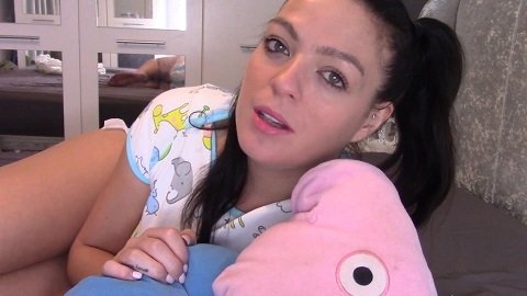 Evamarie88 - Messing Diaper For Daddy (FullHD / 1080p / 1,57 Gb)