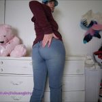 BabyDollNaughty - Shitty Jeans and dirty dildo pussy fuck (Full-HD / 956,61 Mb)