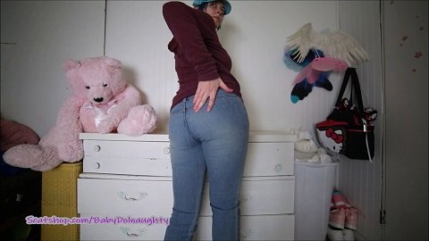 BabyDollNaughty – Shitty Jeans and dirty dildo pussy fuck (Full-HD / 956,61 Mb)