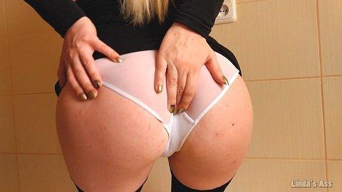 [2019] Linda's Ass - OMG! I poop in my white panties (482,85 mb)