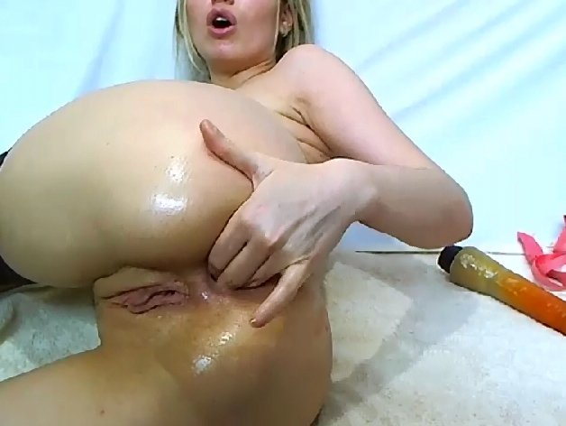 [2019] Web model fisted anal and play with shit (368 Mb)