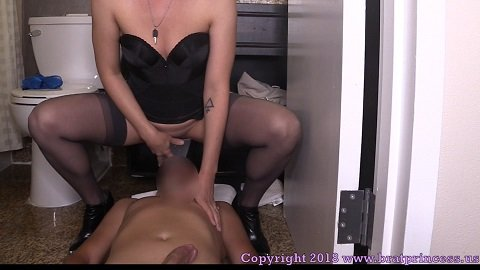 [2018] Lola – 15 Minutes Later He was a Toilet (bratprincess.us) 726 Mb
