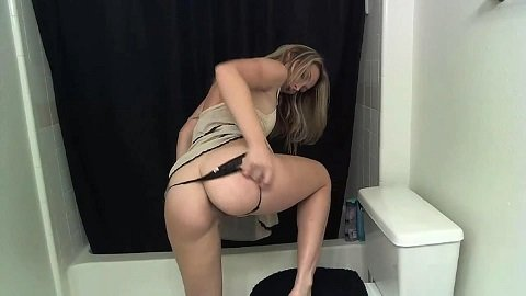 This Girl is Way Too Hot for Scat 6 [497]