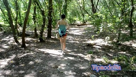 VipmodelNata – I shit in my pants while walking in the park