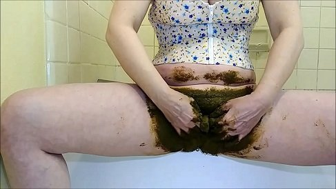15.04.2020 Cosmic Girl Summer – Poop In My Pussy Hole Shitty Orgasms!