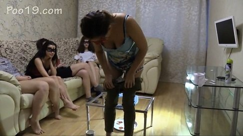 MilanaSmelly – Girls show ass and feed slave!