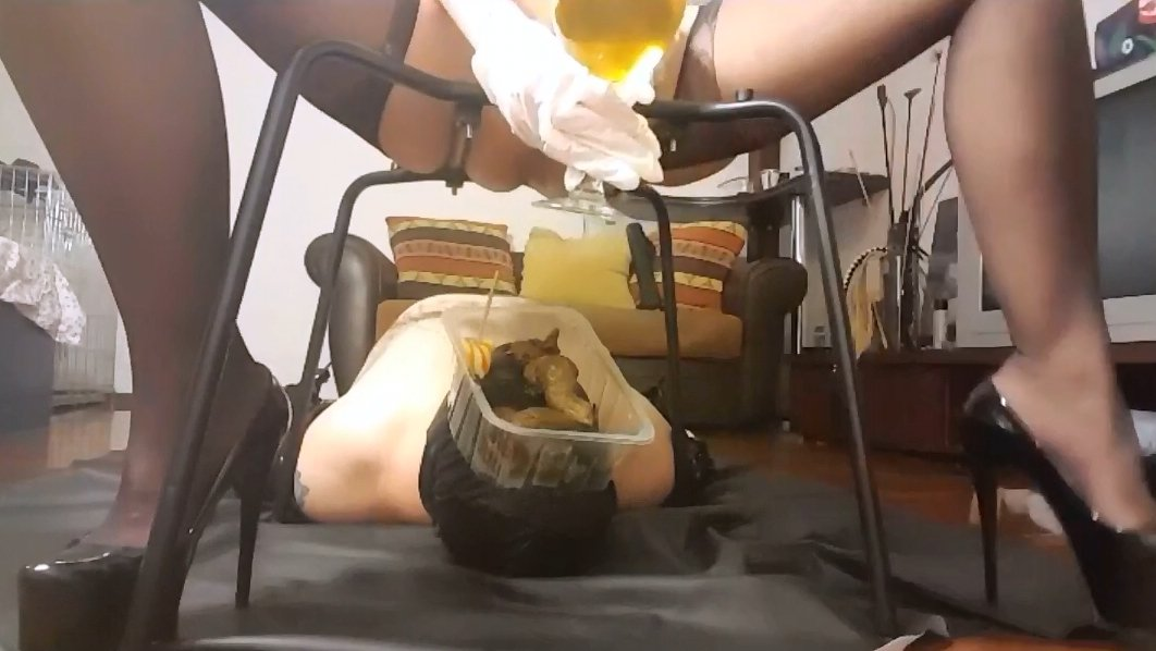 Mistress Antonella prepares a lunch-box with caviar