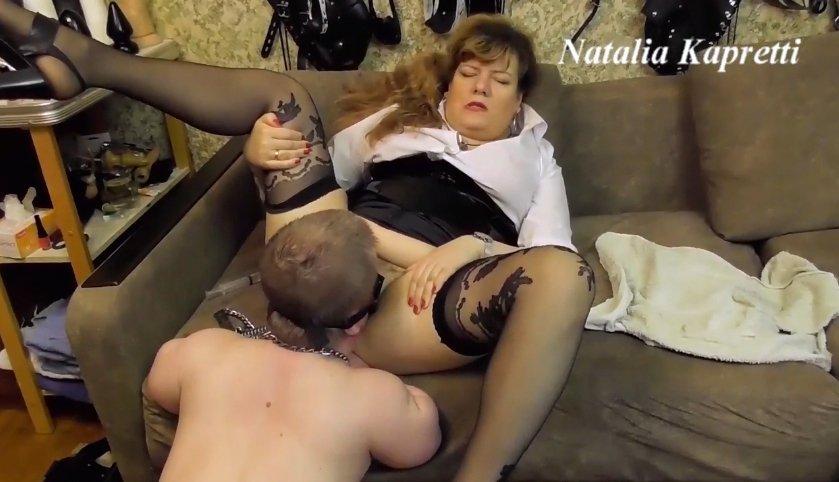 Mistress Natalia Kapretti – You our toilet bowl dwarf