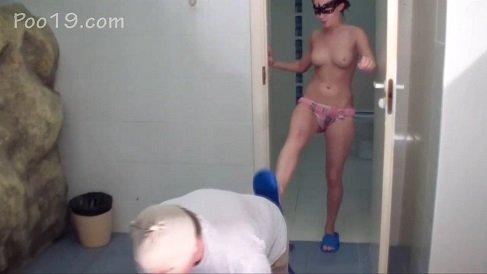 MilanaSmelly – Toilet brush – it hurts! (Poo19.com) 2019