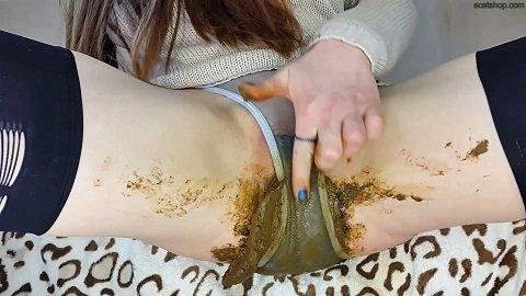 Anna Coprofield – Gray Panties (ScatShop.com)