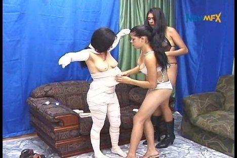 newmfx.com present – Scat Mummy – with Diana, Karla, Karen (ehs)