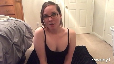 GwenyT – Pathetic Gwen, Punching Face and Vomiting (21.07.2020)