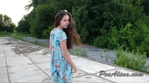 PooAlina – Summer! Alina walks and powerfully farts and shitting