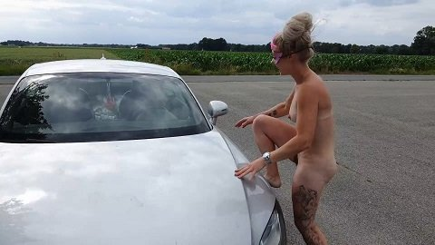 Versauteschnukkis – Shit and piss in public on a car (01.07.2020)