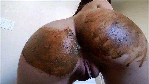 Littlefuckslut – Panty Poop & Ass Smear Meal