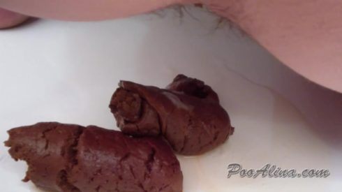 Alina_pooping_in_dirty_panties_after_work._Close_up..mp4.00003.jpg