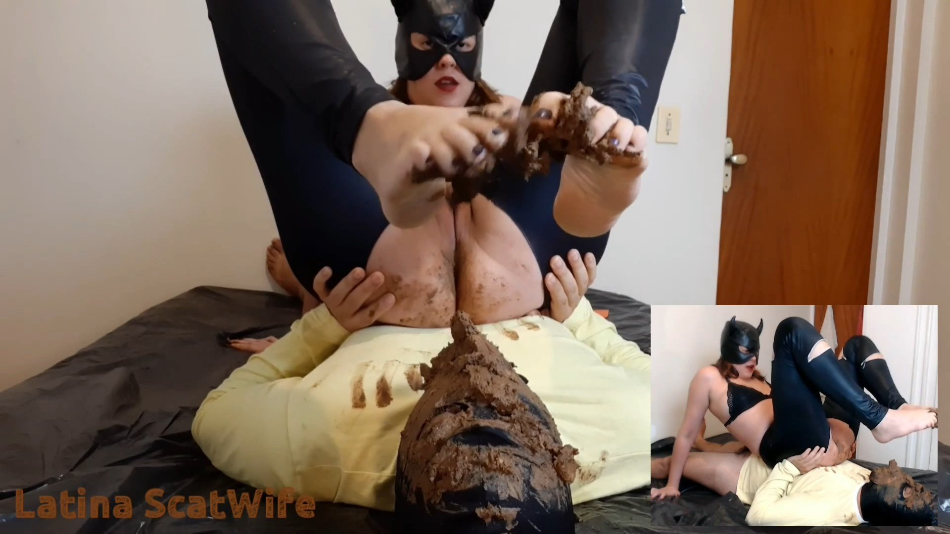 Giving it straight to the slave's mouth (2021) 33,99$ (Premium Request) by LatinaScatWife