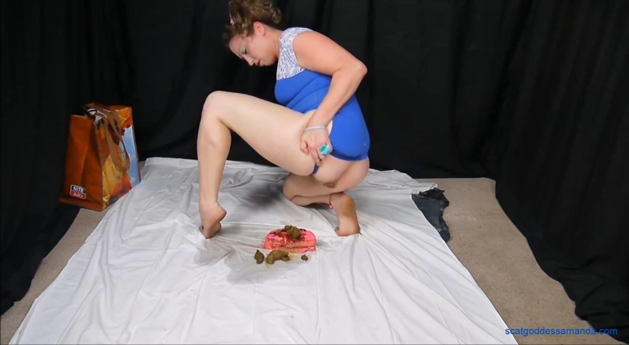 Naughty Babycakes is Hungry for Poopy Cake (2021) $55,99 (Premium user request) by Scat Goddess Amanda