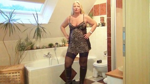 RosellaExtrem – Slave mouth full of shit and piss
