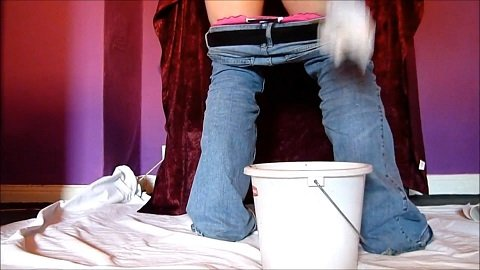 Diarrhea in the bucket (2021 Scat) Scat Tina