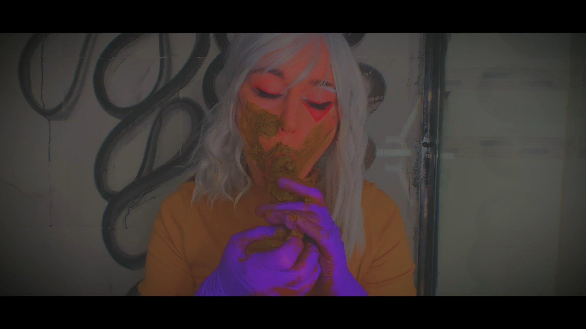 Sweet Betty Parlour – Suckin Shitty Anal Plug