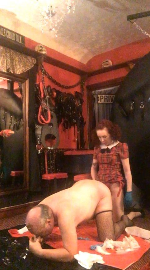 Beg for my Poo (28.02.2021) 8.99$ (Premium Request) via Mistress Julia Taylor