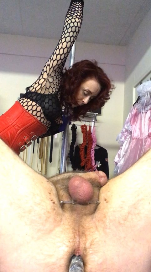Drenching the bitch in Mistress piss (28.02.2021) 8.99$ (Premium Request) via Mistress Julia Taylor