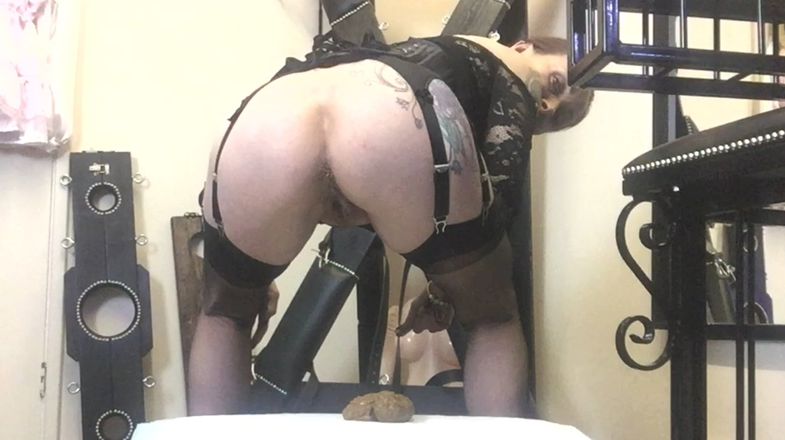 Emptying My Glorious Bottom (28.02.2021) 6.99$ (Premium Request) via Mistress Julia Taylor