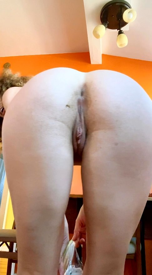 [VIP Premiere – Newbie Teen Scat Model] I pooped my undies! (14.02.2021) 8,99$ (Premium Request) via Vibe With Molly