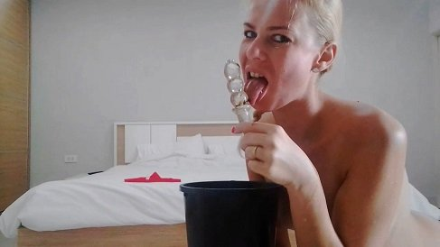 Sexy Big Shit at Hotel Room'n'Toy Licking (07.02.2021) 23,99$ (Premium Request) by Miss Anja