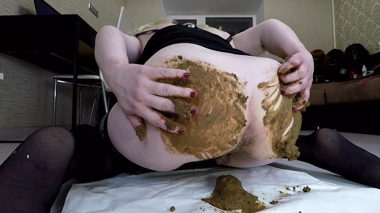 Annalise – Poop and Smear