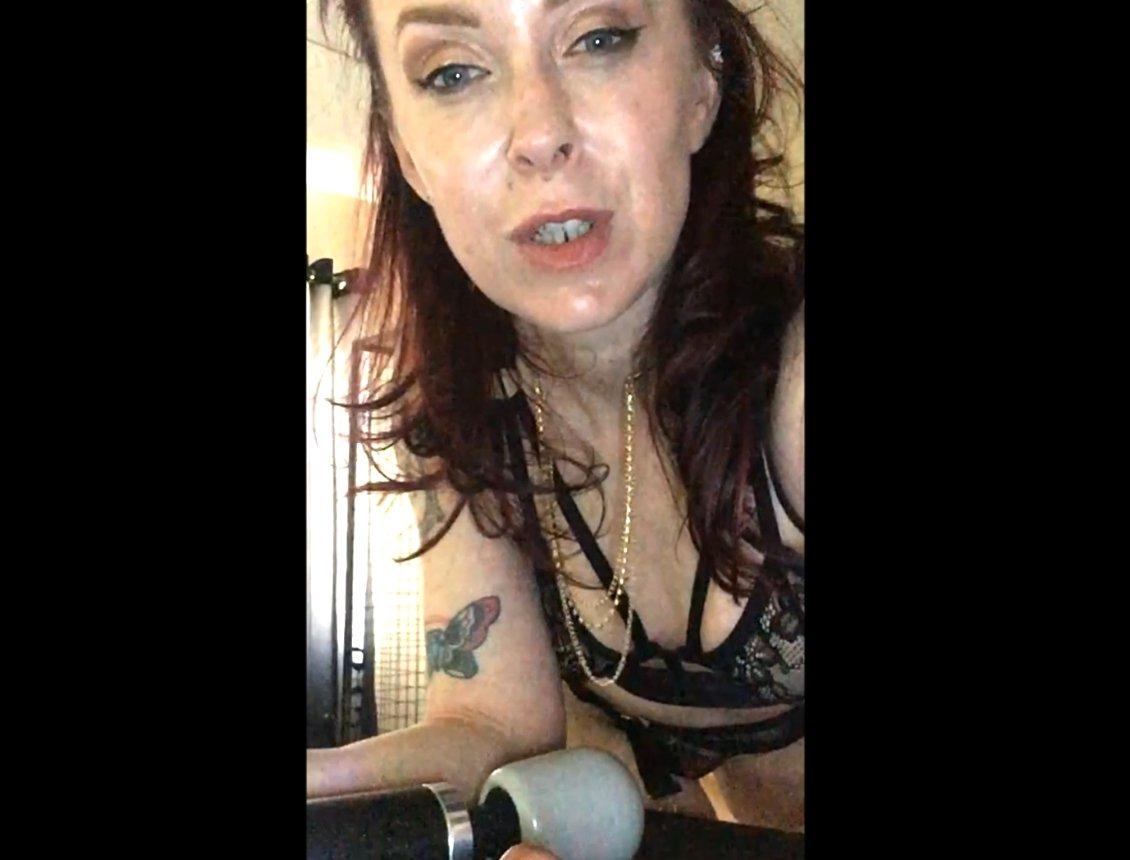 Scat Wank (1.02.2021) 5.99$ (Premium Request) via Mistress Julia Taylor