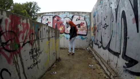 Diabolic_Sigal_-_Pooping_in_public_place_with_graffiti.mp4.00000.jpg