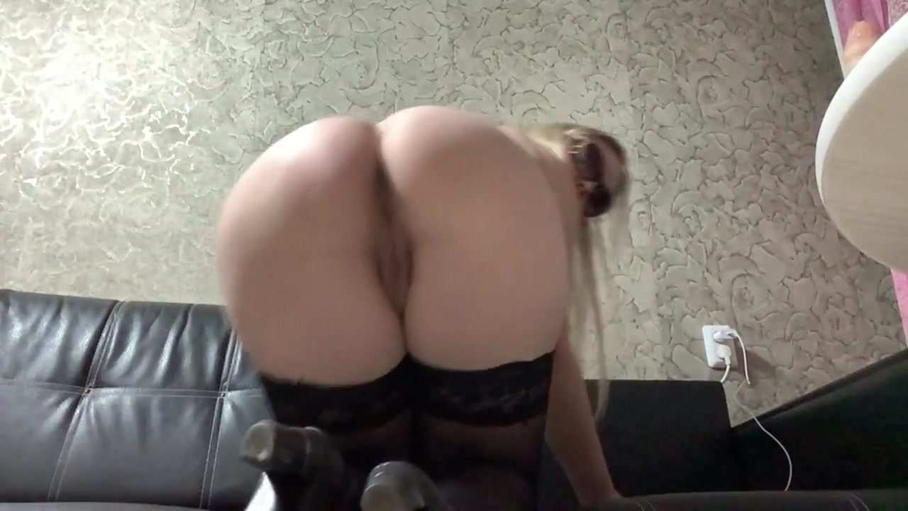 Janet – Sexy Masturbation and Shitting (23.04.2021)