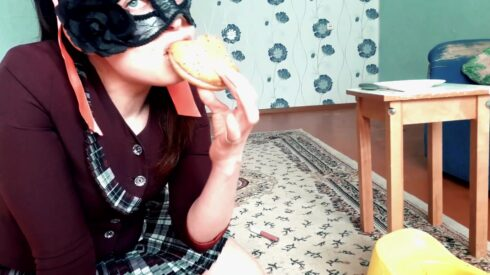Scat Real Swallow- The Scat Burger By Top Babe Lina - ScatLina 00002