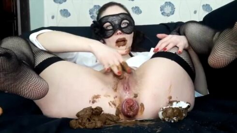 Scat Swallow Dental Floss By Top Scat Babe Lina (SG-Video) ScatLina FullHD