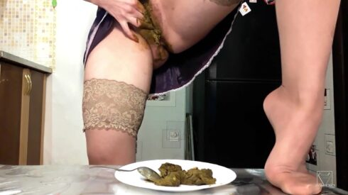 Xtreme Scat Breakfast Real Swallow By Top Babe Lina (SG-Video) - ScatLina 00001