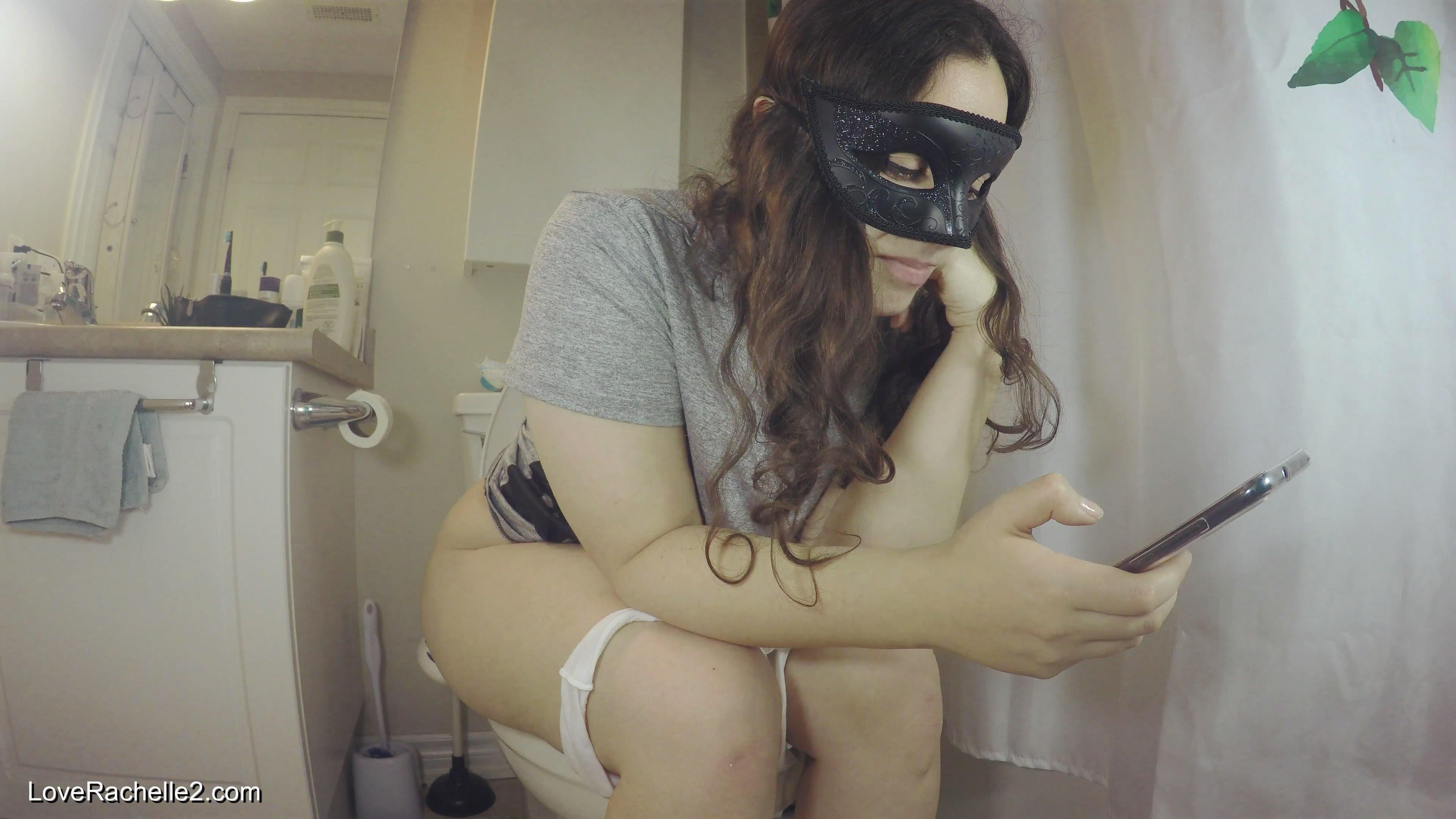 Struggling On The Toilet starring in video LoveRachelle2