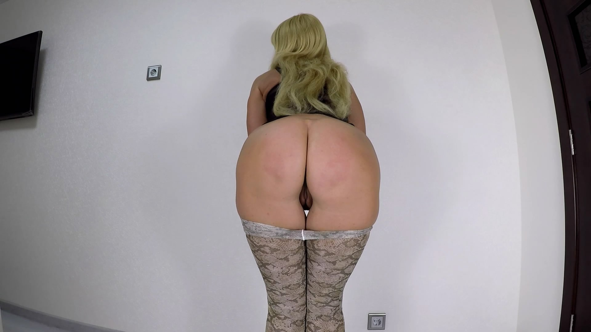 Shit In Sexy Pantyhose starring in video scatdesire ($10.99 ScatShop) –  Smearing