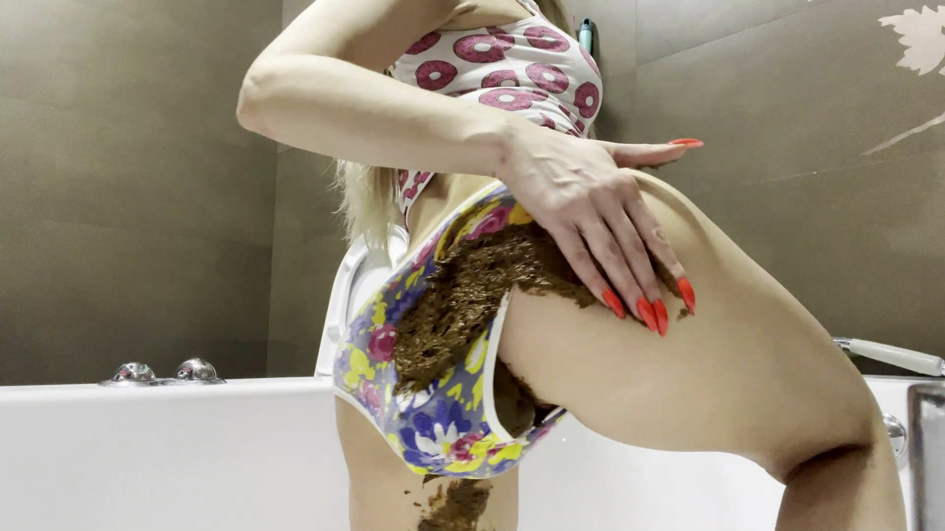 Smeared And Ruined starring in video thefartbabes ($16.99 ScatShop) – Pee