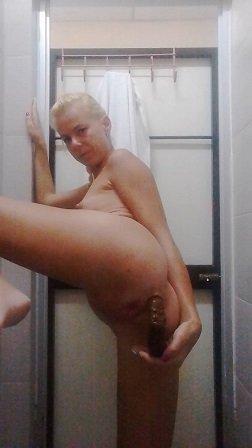 Massive, Long shit in public bathroom (07.06.2021) ScatShop Premium Request 31$ with Miss Anja