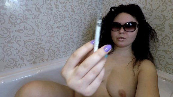 Janet – Piss and Shit in Bathtube ($13.99 ScatShop)