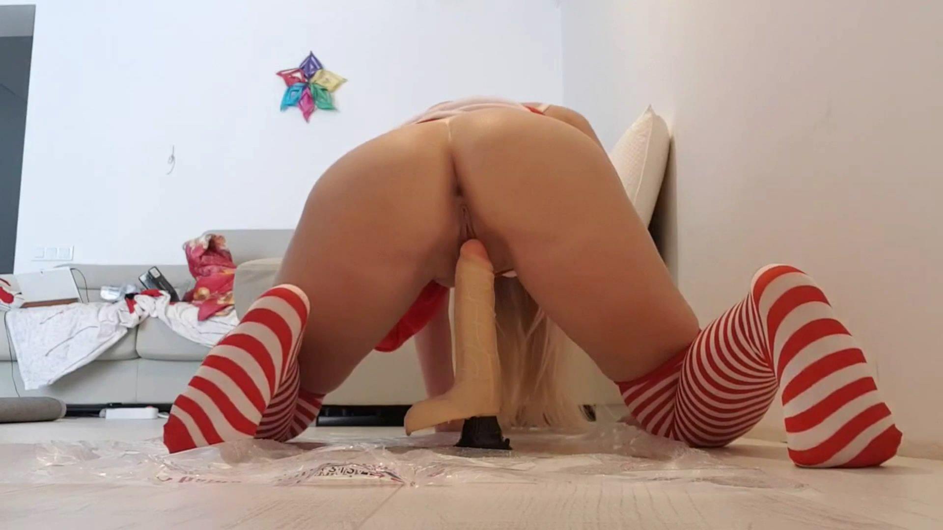 Xmas Cock Messy Punishment – Xmas Red Panties Gift starring in video thefartbabes ($12.99 ScatShop) (Release date: Jun 07, 2021) – Poop Videos