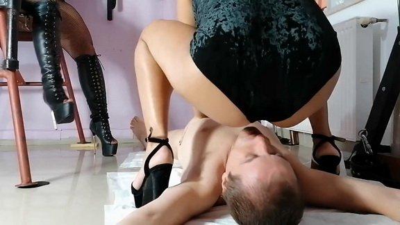 Mistress Victoria her first shit EPIC FEEDING ($15.99 ScatShop)