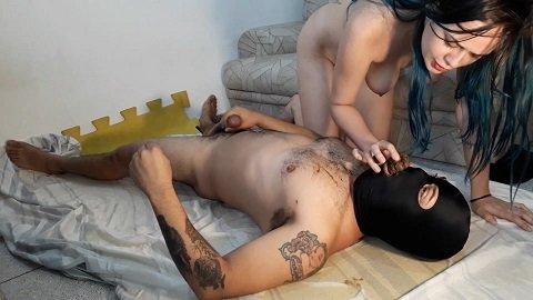 LadyBiancDirty – Eating Big Bunch Of Shit