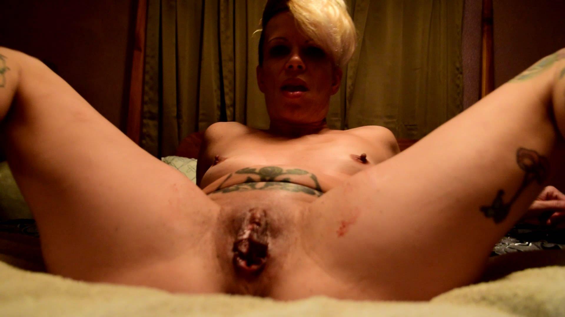 Horny Pussy Fuck starring in video Juicy_Julia ($7.99 ScatShop) – Period Play