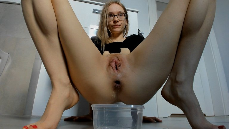 LucyBelle – Came out effortlessly (€21.99 YezzClips)