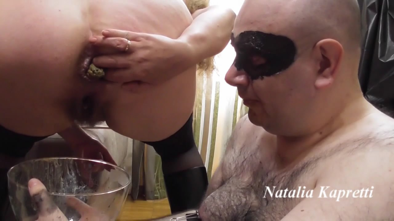 Cocktail of piss and shit for shiteater starring in video Mistress/Natalia Kapretti ($27.99 ScatShop) – Pee