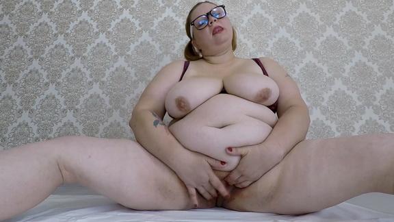 Margo – Fat Girl Period Shitting ($12.99 ScatShop)