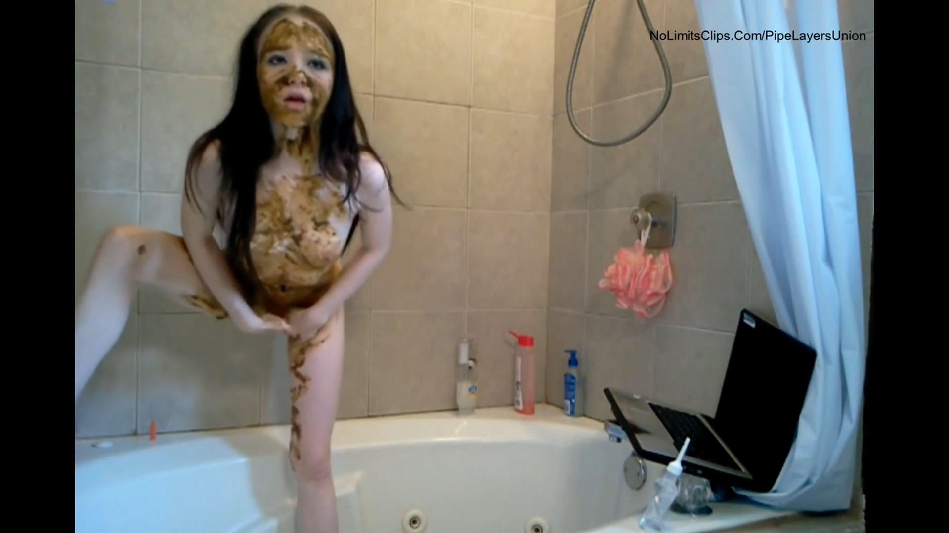 Exclusive 2021 Teen Scat Amateur cute girl scat smearing